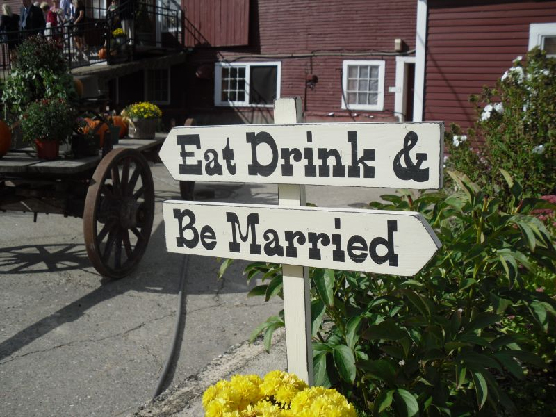 weekend_wedding_signs