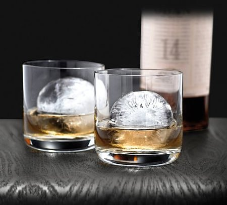 large-piece-ice-shape-sphere-makes-every-drink-look